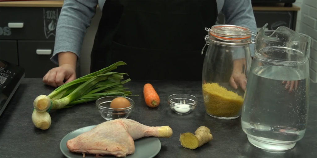 Ingredientes para una sopa de pollo