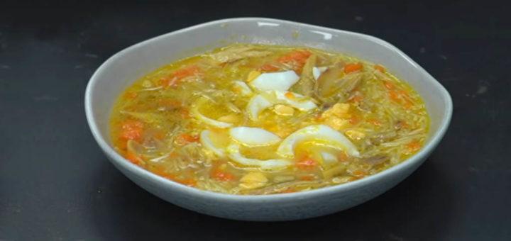 sopa de pollo jengibre y curcuma
