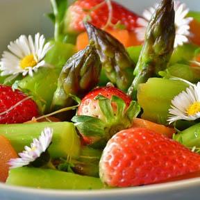esparragos con fresas