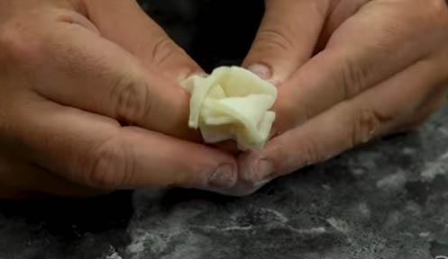 moldear el mochi