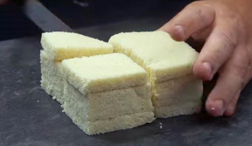 Cortar el pan de molde