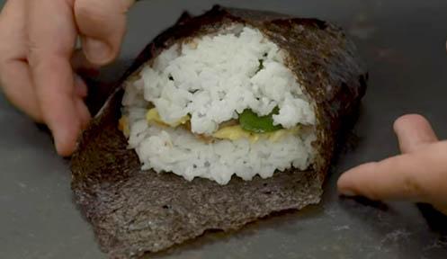 Cerrar el sushi sándwich tonkatsu